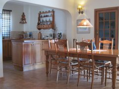 Acadia B&B, kitchen and dining table, accommodation in Plettenberg Bay